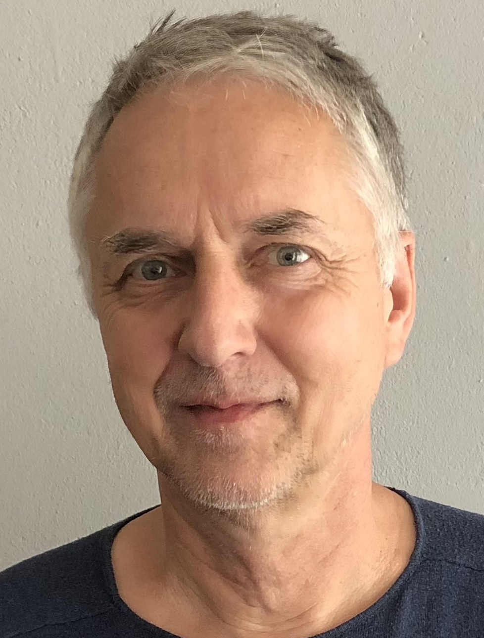 Dr. Tilman Hassenstein